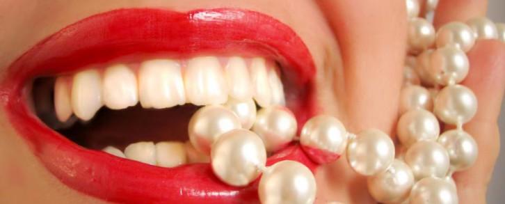 Dentistas en Castellón - Cómo se blanquean los dientes en el dentista