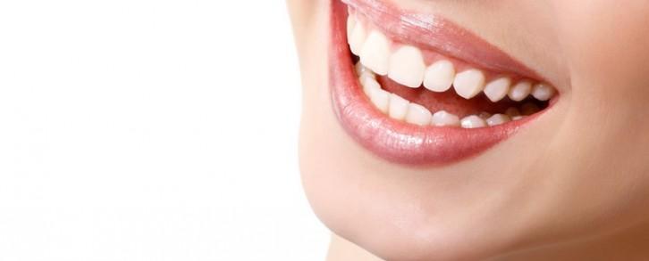 Dentistas en Castellón - Aftas bucales, posibles causas y soluciones