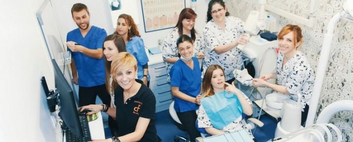 Dentistas en Castellón - La importancia del equipo de la clínica dental
