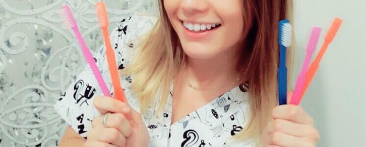 Dentistas en Castellón - ¿Cada cuánto se ha de cambiar el cepillo de dientes?