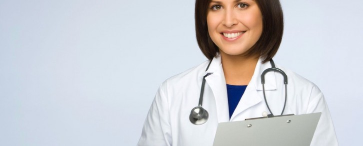 Dentistas en Castellón - Un diagnóstico acertado, la clave para solucionar el problema en tus dientes y encías
